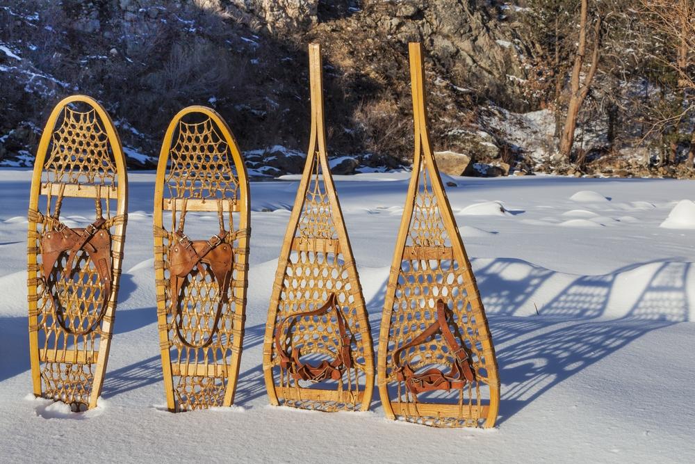 austria-vintage-snowshoes_129855764